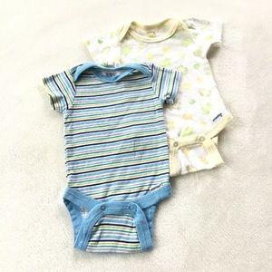 3/20$ 🦋 Newborn bodysuit bundle